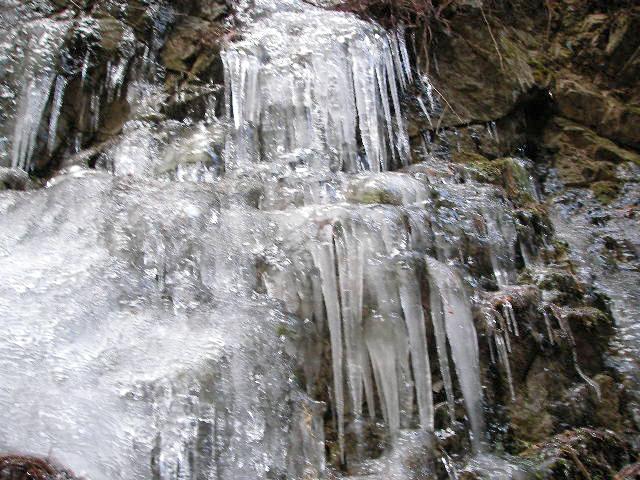 金剛山 雪道登山 ツツジオ谷 二の滝 ツララ